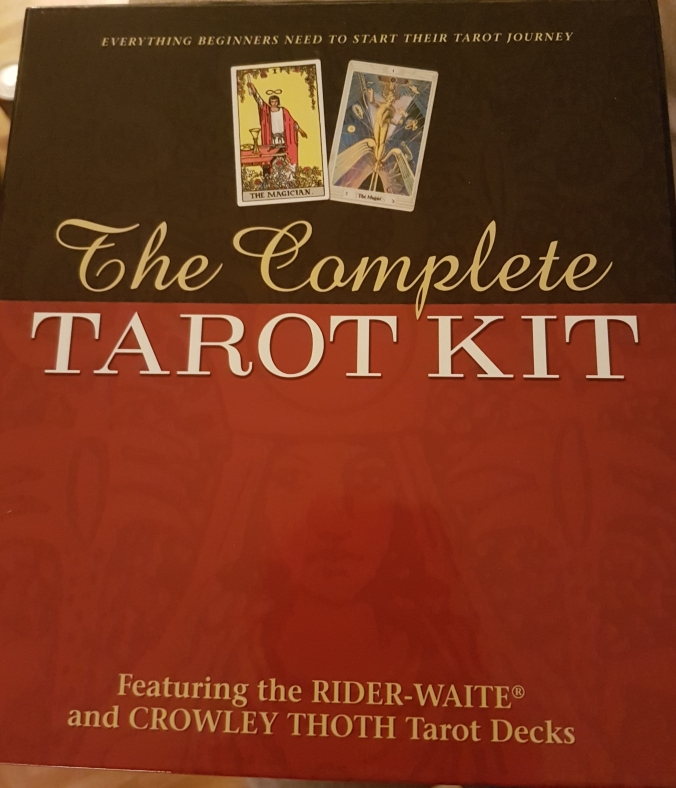 Review of The Complete Tarot Kit by Susan Levitt, published by U.S. Games Systems, Inc.